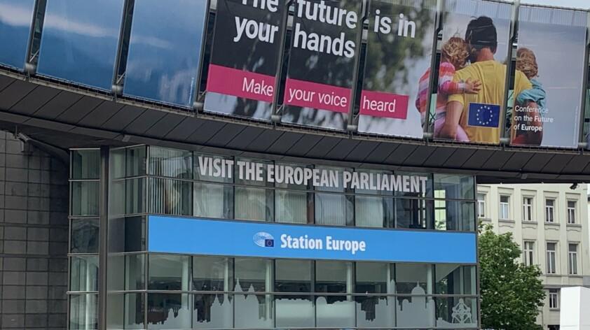 Von Berlin nach Brüssel und zurück – als Dolmetscherin unterwegs zu Corona-Zeiten
